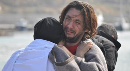 REFUGEE BOAT SINKS OFF TURKISH COAST, 12 DEAD