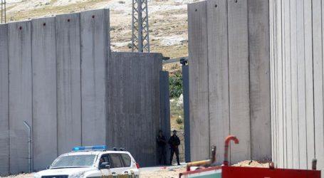 ISRAEL TO BUILD 'SECURITY WALL' ALONG GAZA BORDER