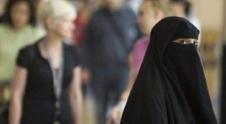 MAJORITY OF BRITISH MUSLIMS WITNESSING ISLAMIC FAITH