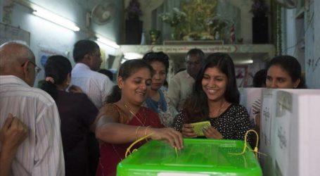 EU OFFICIALS HAIL MYANMAR VOTE, WANT LARGER MUSLIM ROLE