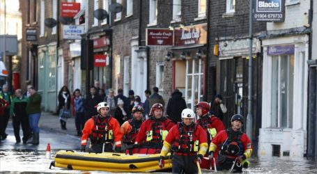 UK BRACES FOR MORE STORMS AND FLOODS