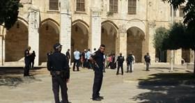 41 Israeli Fanatics Storm Muslims' Al-Aqsa Mosque