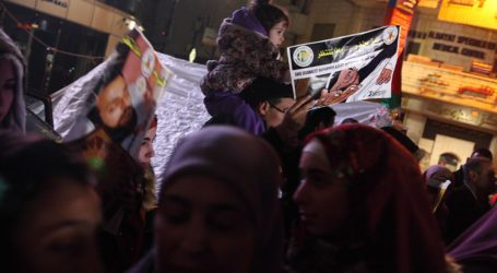 Palestinian Cities Brought To a Standstill In Support Of Al-Qeq