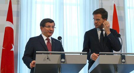 Turkey has Never Closed its Doors on Syrians, PM Davutoğlu Says