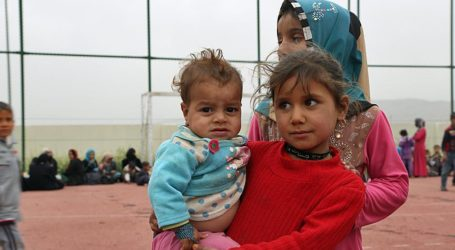 Hundreds Flee Iraq's Mosul Amid Anti-Daesh Army Assault