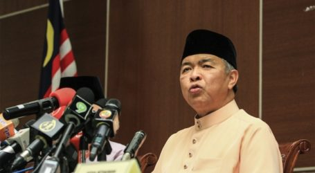 Malaysia's ]Ex-DPM Slammed for Linking Tsunami to LGBT Culture