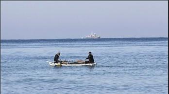 Israeli Forces Detain 2 Palestinian Fishermen Off Gaza Coast