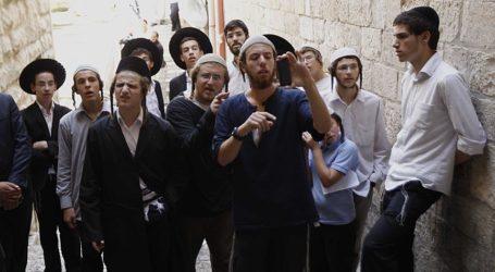 More Than 1,800 Settlers Stormed Al-Aqsa In April