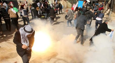 Israeli Soldiers Attack Palestinian Protesters In West Bank