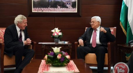 Palestinian PM, FM Meet with French Envoy to Discuss Upcoming Peace Summit