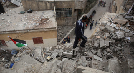Israeli Troops Destroy Three Stories Home, Five Families Abandoned