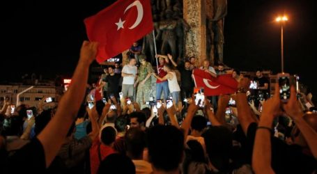 Turkey Detains over 750 Army Personnel amid Coup Attempt