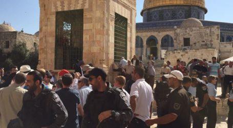 Awqaf Warns of Israeli Arrests, Violations at Al-Aqsa