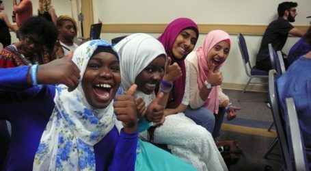 Muslim Teenagers Use Poetry To Educate Others About Their Faith