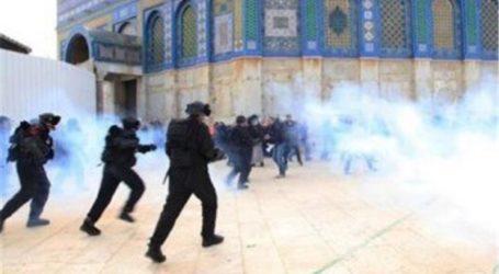 Israeli Forces Storm Al-Aqsa and Target Civilians in Jerusalem and Hebron