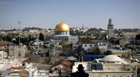 Israeli Government to Legitimize 100 Outposts in West Bank