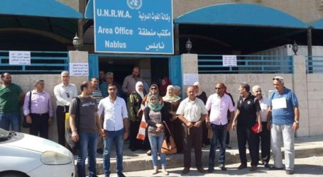 Protest in Nablus against UNRWA Aid Cuts