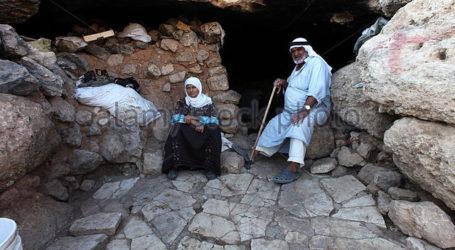 Yatta's Shanty Towns.. How Palestinian Bedouins Defied Israeli Settlers