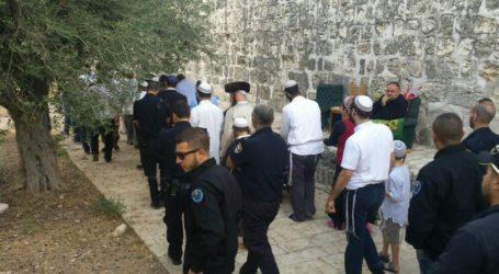 Israeli Settlers Storm Archaeological Site Near Nablus