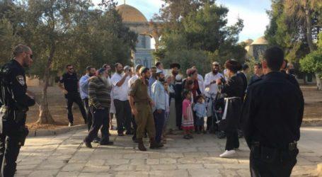 295 Israeli Settlers Break Into Al-Aqsa