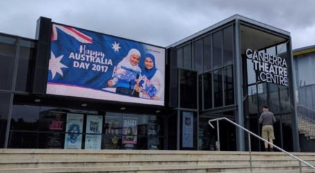Australia Theater Faces Threats for 'Hijab' Billboard