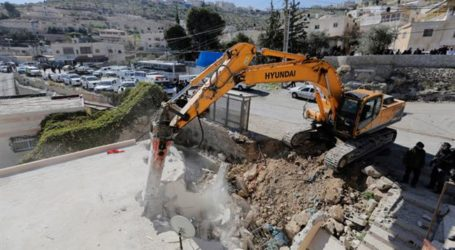 Israeli Forces Demolish 11 Bedouin Residential Structures, 87 Left Homeless