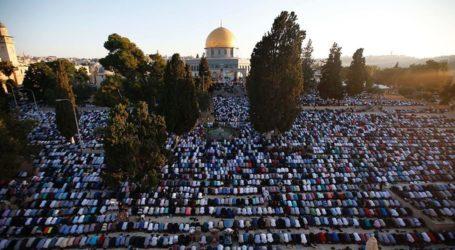 Israel Prevents Hundreds of Gazans from Entering Jerusalem