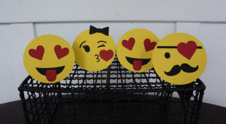 Youth Group Tells Muslim Women to Avoid Using Emoticons, Perfume on Valentines Day