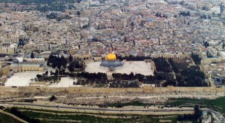 Israel Imposes Five-Month Entry on Aqsa Mosque's Guard