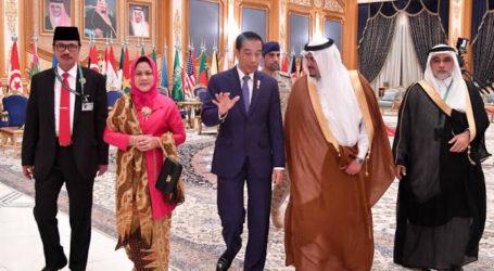 King Salman Receives Congratulatory Phone Call from Jokowi
