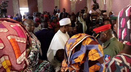 Nigeria's Buhari Meets 82 Freed Schoolgirls