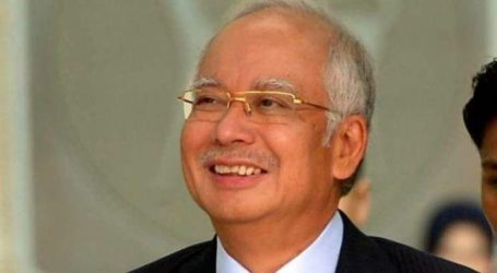 Malaysian Prime Minister Arrives in Bali for Vacation