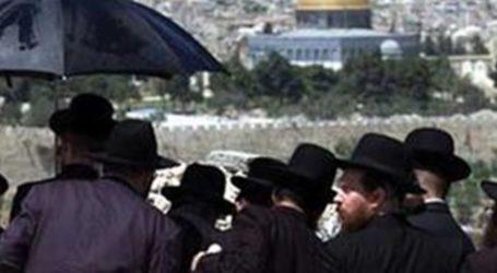 161 Israeli Settlers Break Into Aqsa Mosque on 13th Day of Ramadan
