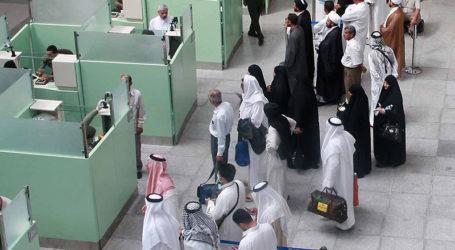 Saudi Arabia Starts Receiving Hajj Pilgrims in Jeddah, Madina