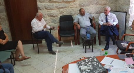 Israeli Police Prevent European Delegation from Reaching Al-Aqsa