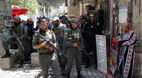 Israeli Forces Arrest 16 Palestinian Citizens in West Bank