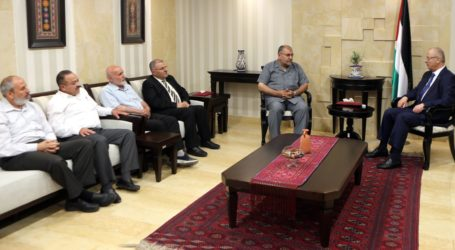 PM Hamdallah Discusses Unity with Hamas Delegation