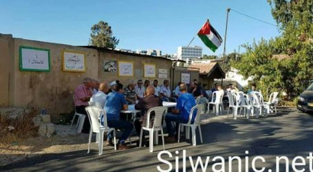 Sit-in in Solidarity With Palestinian's Family Displacement
