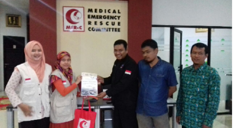 Indonesian Muslim Workers Donate RP 62 Million for Rohingyas Through MER-C