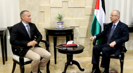 UN Envoy Discuss Reconciliation Deal With Palestinian PM