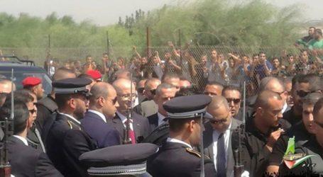 Palestinian PM Arrives in Gaza
