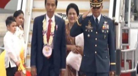 President Widodo Lands in Clark for 31st ASEAN Summit