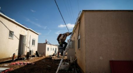 Israeli Settlers Install New Caravans in Jordan Valley Settlement
