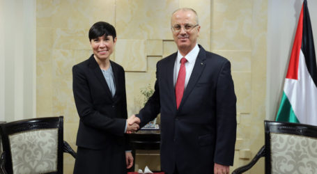 Premier Briefs Norway's Foreign Minister on Latest Political Developments