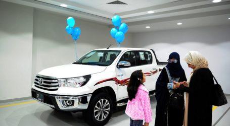 First Women-Only Car Showroom Opens in Saudi Arabia