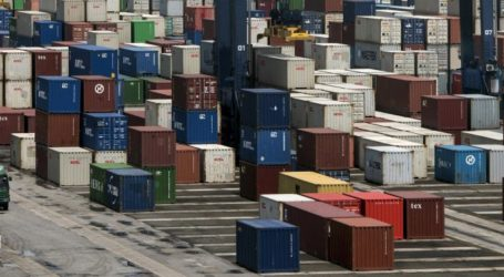 Indonesia's Economy Improves Slightly as Exports Rise