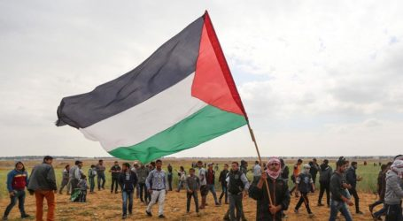 Gazans Converge on Israel Buffer Zone for 38th Friday