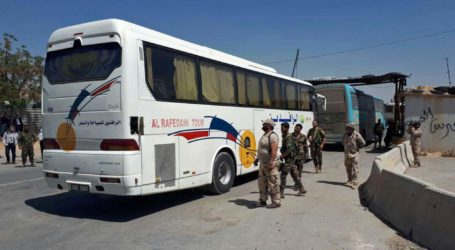 Eastern Ghouta's Last Rebel Group Starts Leaving for Northern Syria
