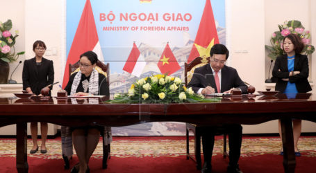 Vietnam and Indonesia Vow to Settle Fishing Violations