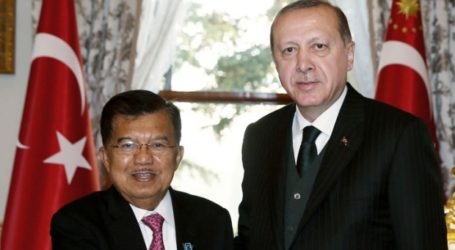 VP Kalla Joins Peaceful Rally for Palestine